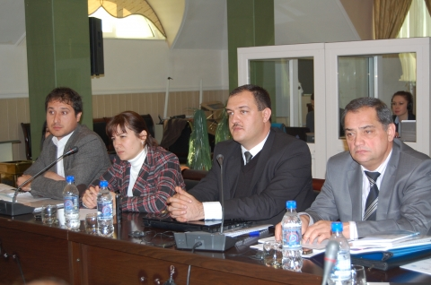 Tajik rights defenders recommend making jails maximally available for control by civil society